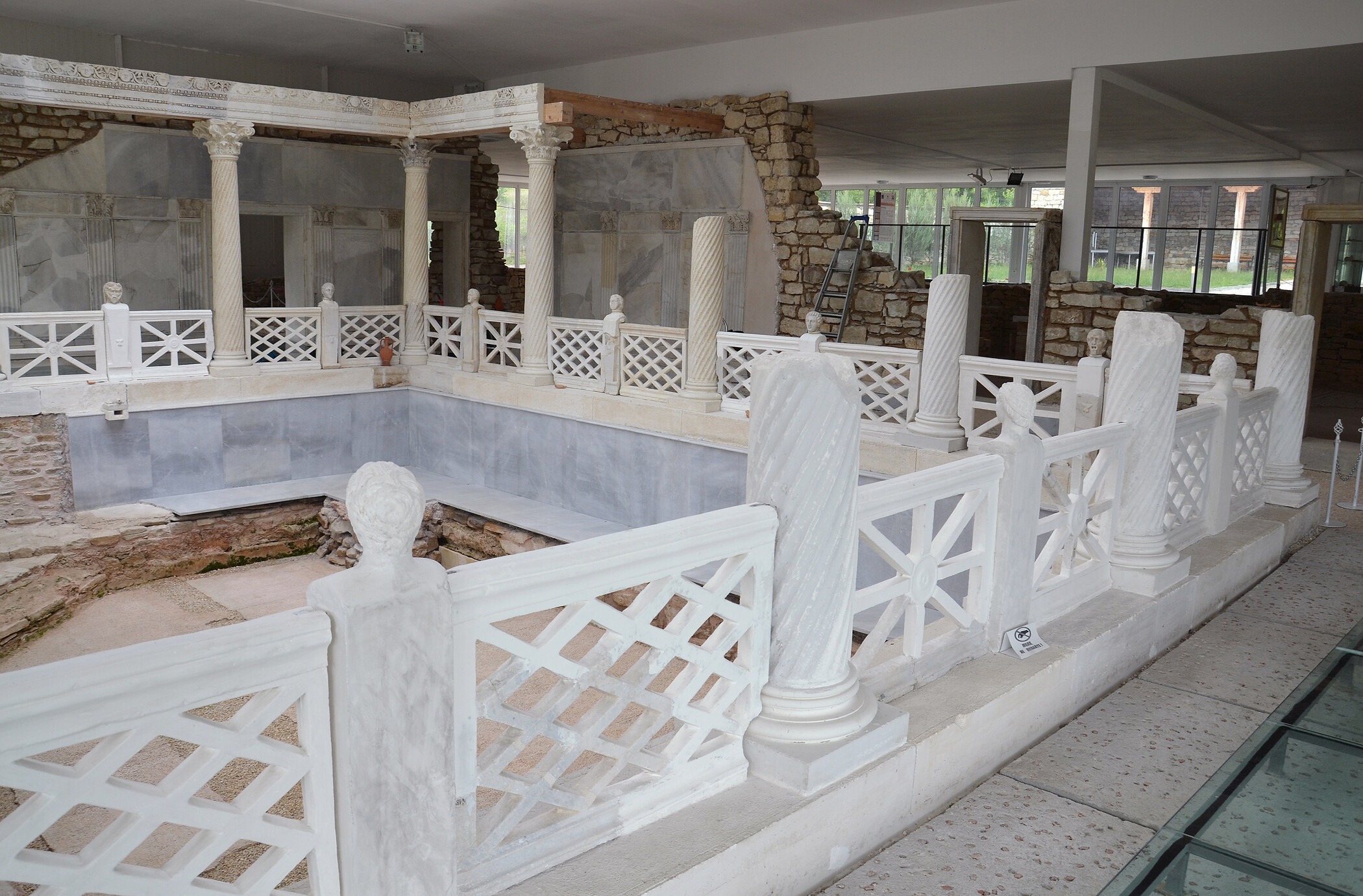 The peristyle courtyard of the villa of Armira (photo: OeAW-OeAI/Vasiliki Anevlavi)