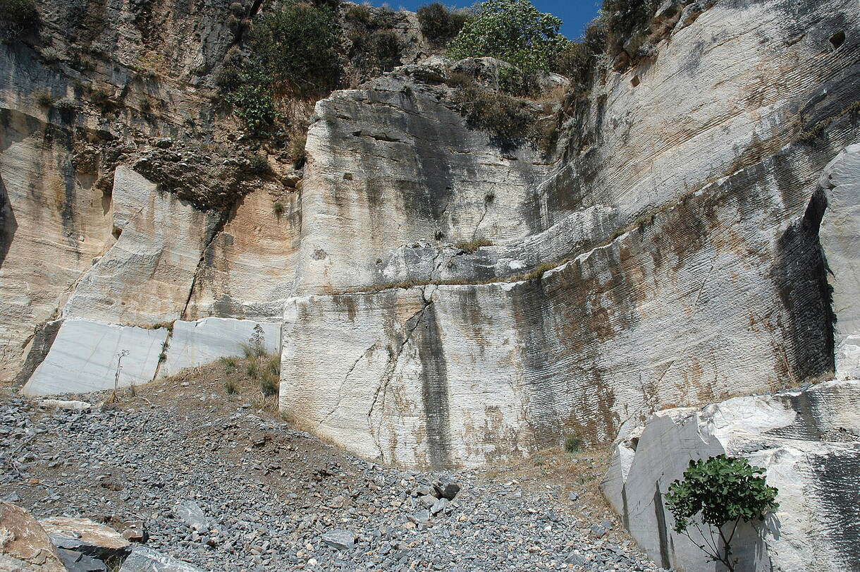 The quarry Belevi where the marbles of the first dipteros of the Artemision were quarried (photo: W. Prochaska)